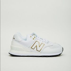 White and gold new balance size 6 women barely used